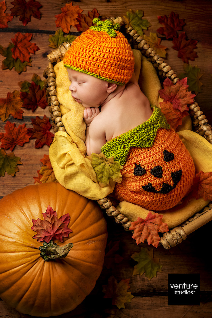 family photography - baby with pumpkin