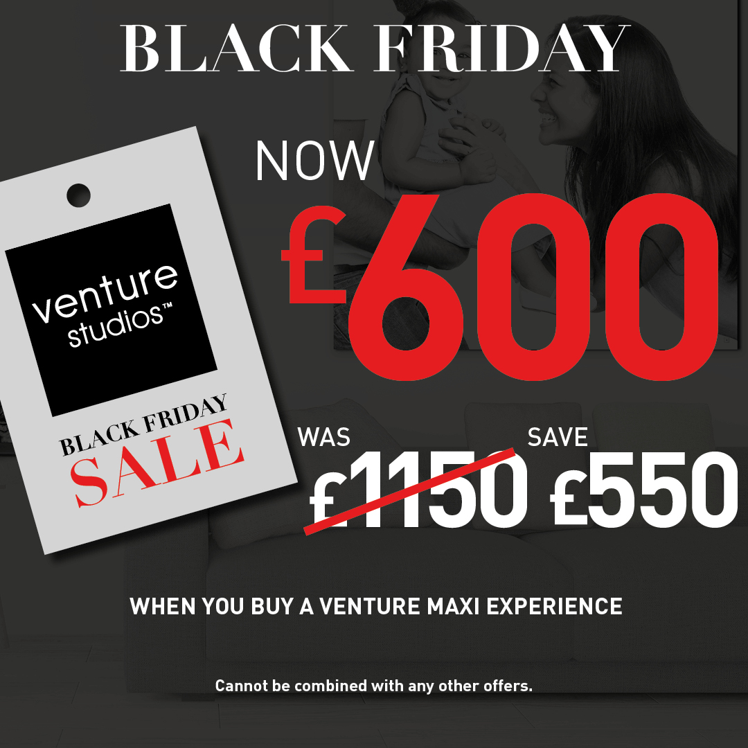 MAXI FAMILY PHOTOGRAPHY Black Friday Offer Logo